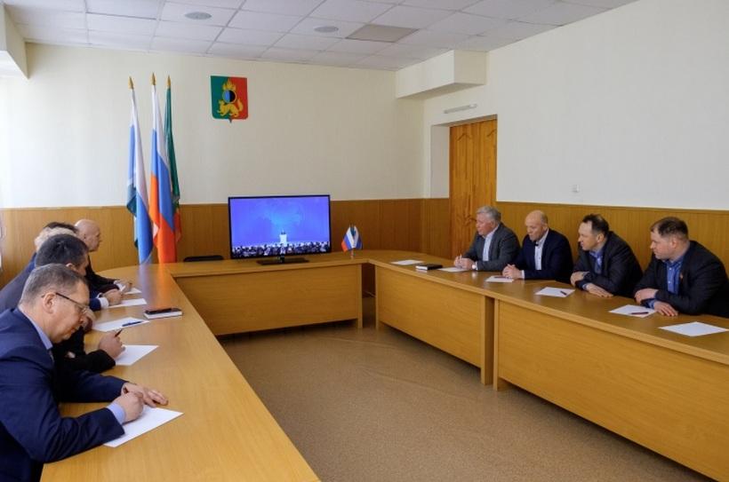 В 2018 году в кадре аж девять единороссов пришли коллективно слушать послание В.В. Путина/Фото: prvduma.ru